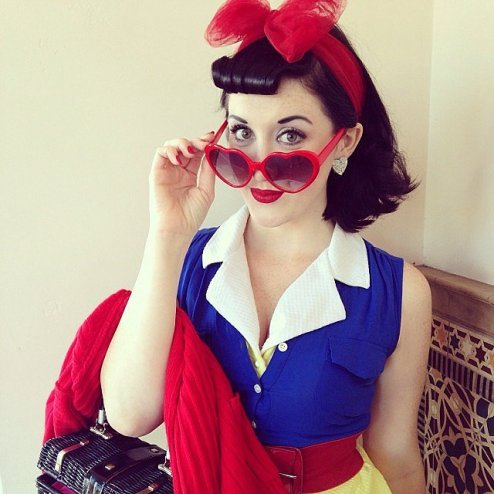 pinup snow white